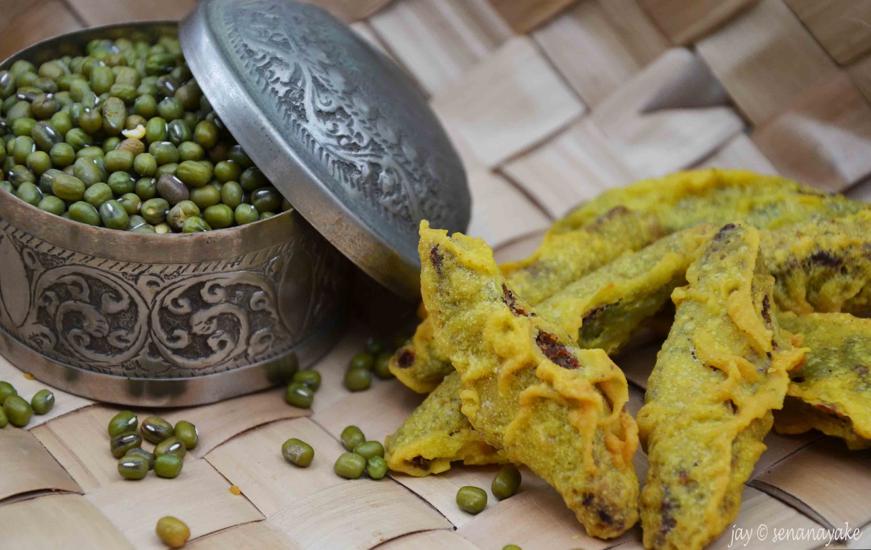 Sinhala and tamil new year greet avurudu with sri lankan food mung kevum forumfinder Image collections
