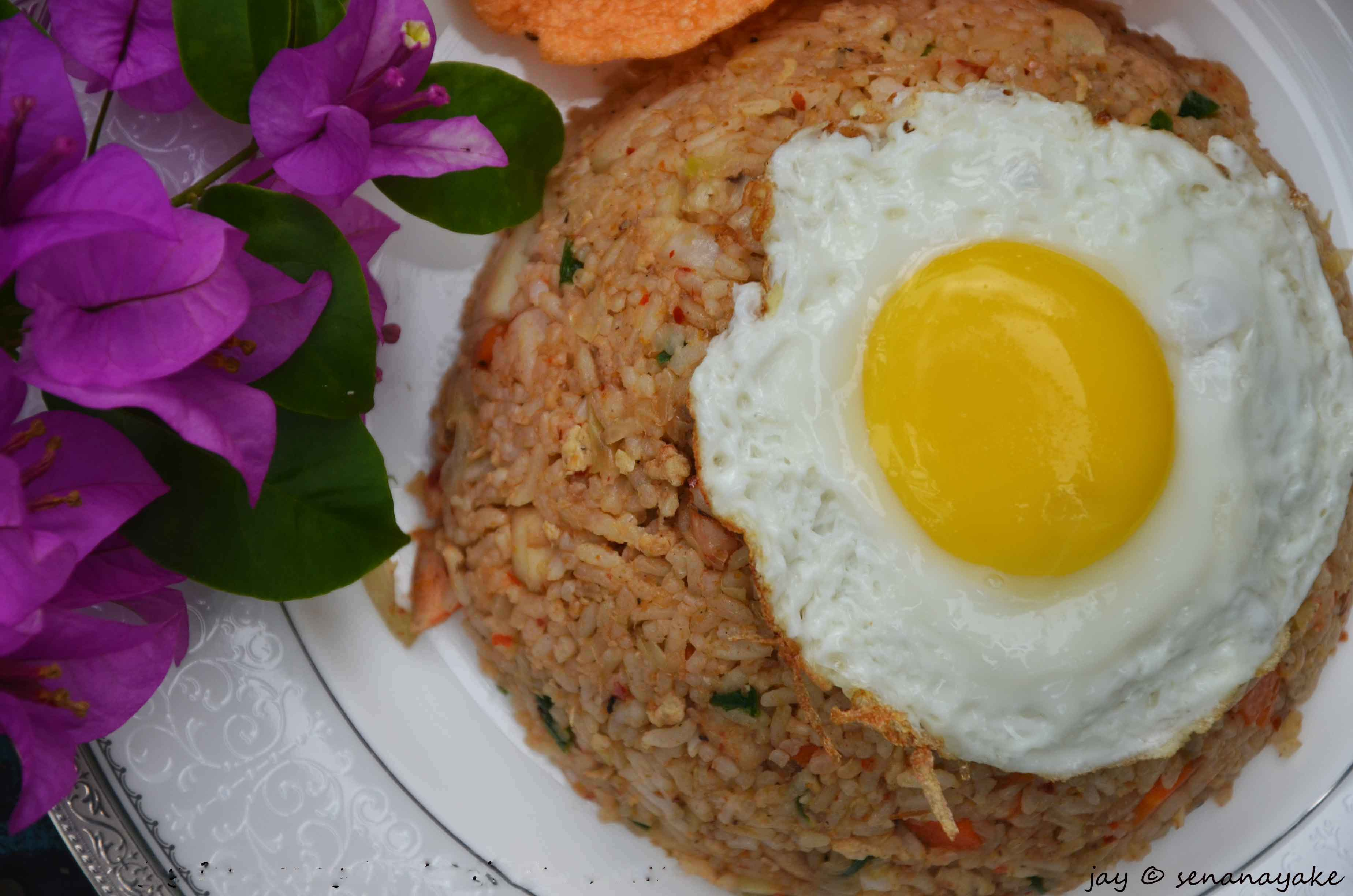 Who doesn't like Nasi Goreng? | Peckish Me