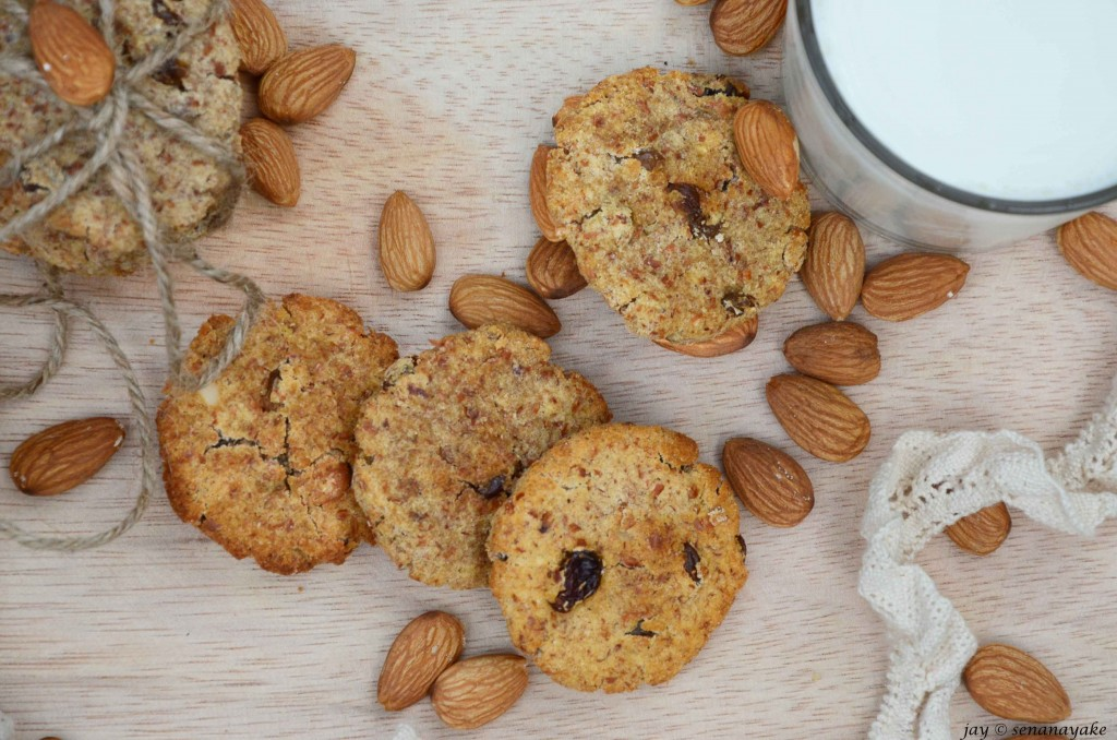 Almond-cookies-on-wooden-board