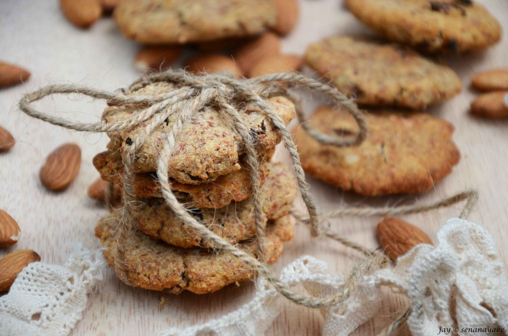 Almond-cookies-tied-with-string