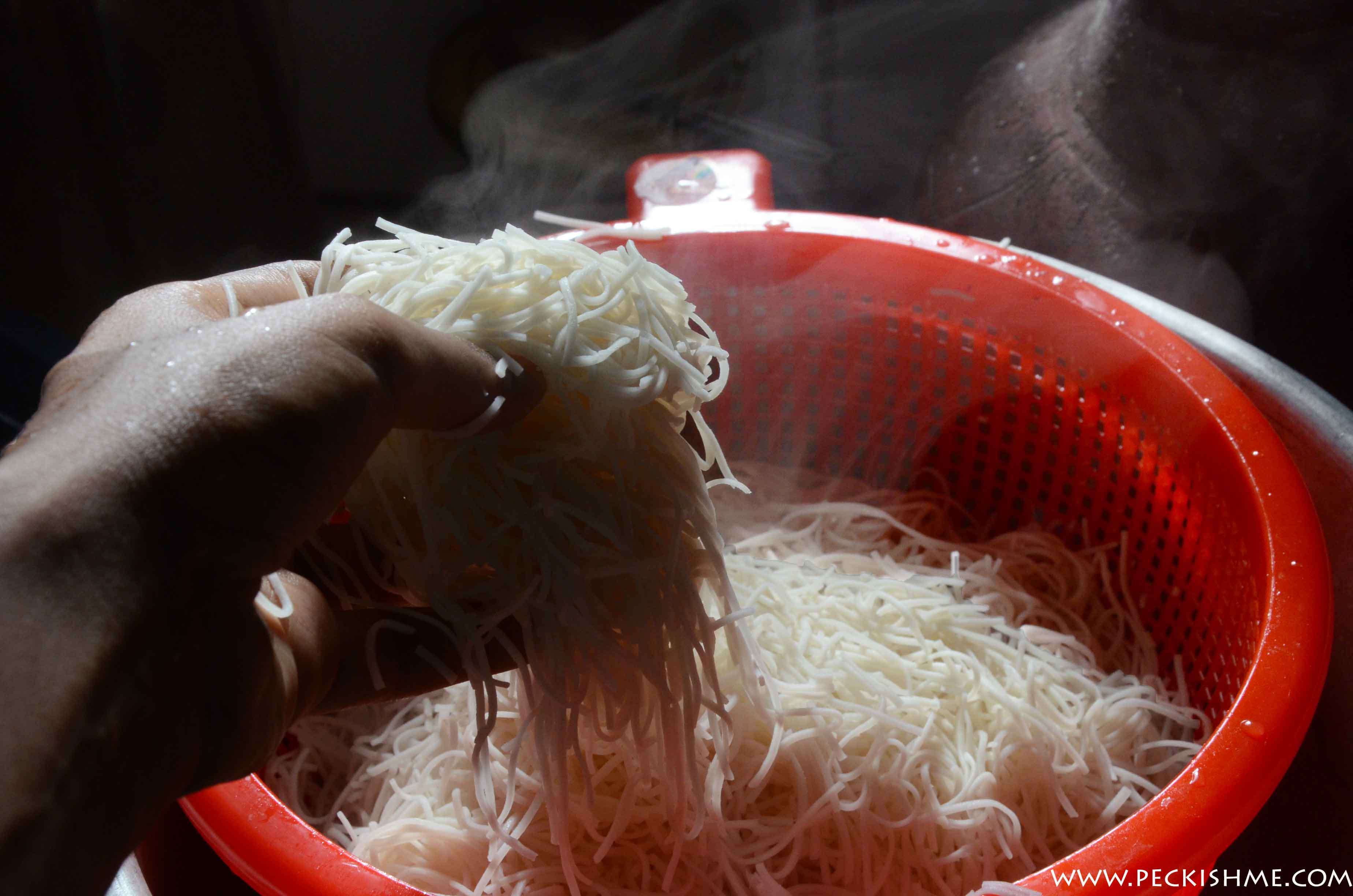 noodles-steaming