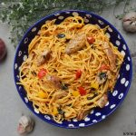 Grilled chicken spaghetti in tomato sauce